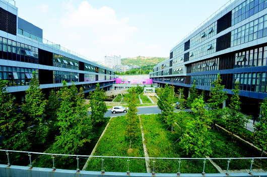 青岛国际动漫游戏产业园位于青岛市市南区银川西路67,69号,是国内少有